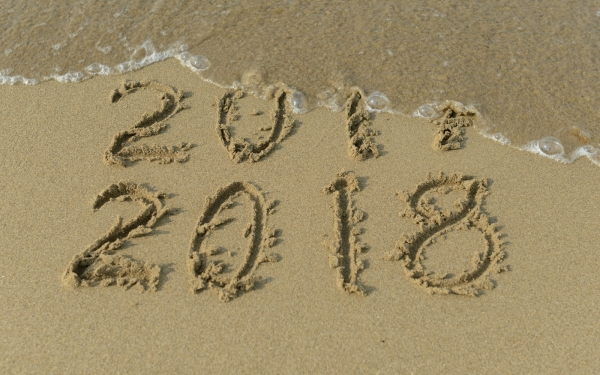 2018 new years resolutions beach sand