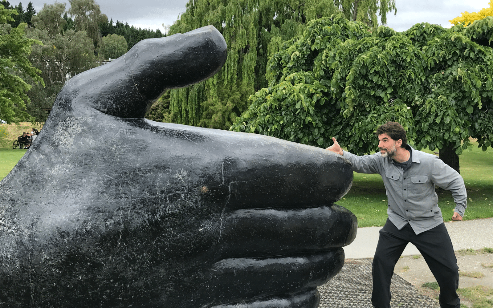 caelan-vs-thumb
